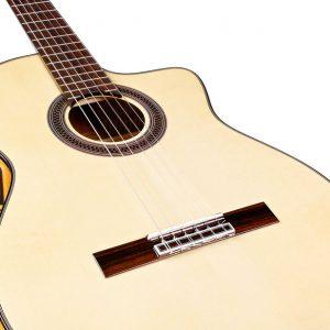 Guitarra acústica GK Studio de Córdoba