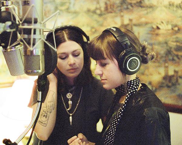 Larkin Poe Bell Tone Studios