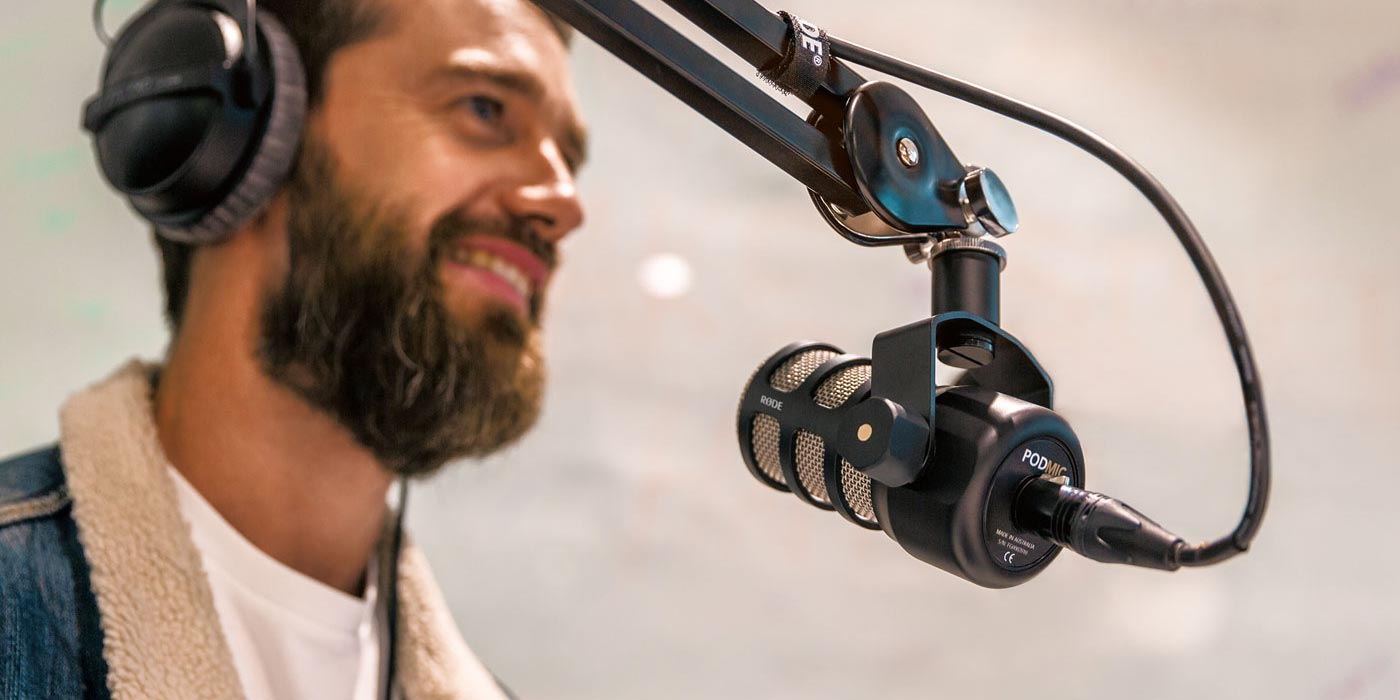 Rode lanza su nuevo micrófono PodMic para podcasting