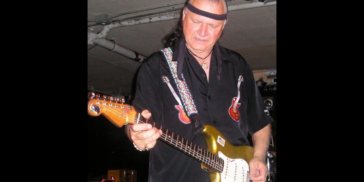 Muere Dick Dale, legendario guitarrista de los años sesenta