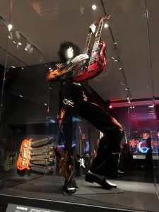 Play It Loud Mannequin